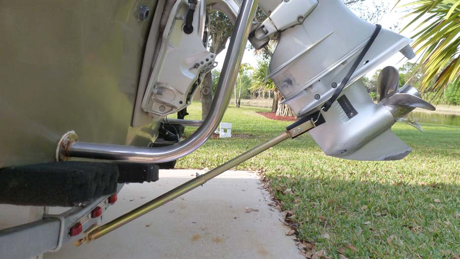 Boat trailer accessories determining correct transom for Motor holder trailering stabilizer