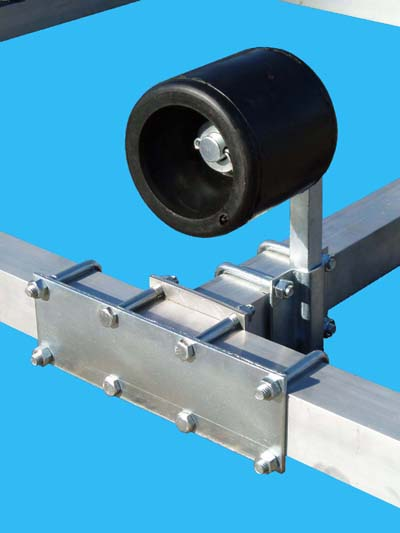 Stiffener Plate & Wobble Roller (Close Up)