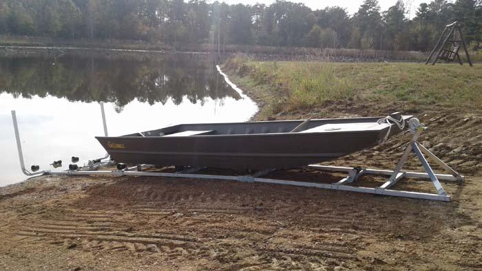 DDA-1000; 24' 1,000 lb. capacity boat ramp.